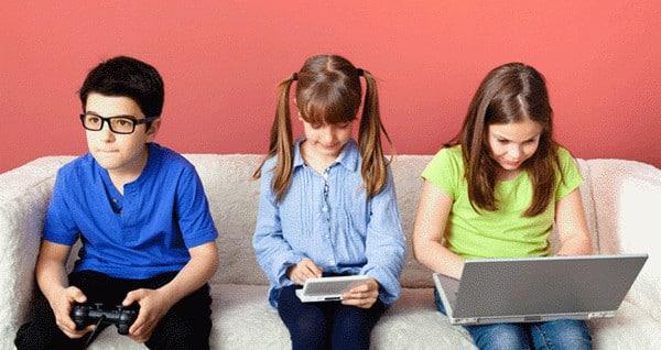 kids at screens